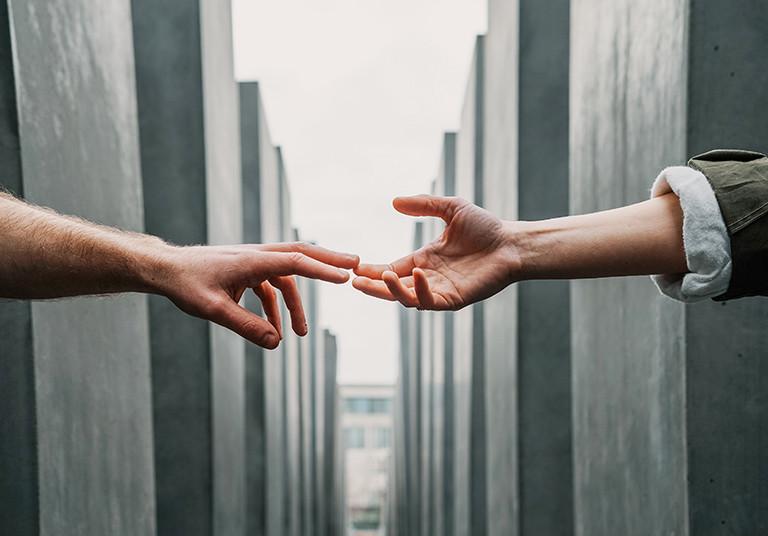 hands_reaching_hero_photo